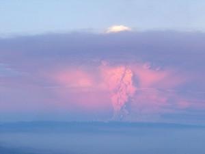 20110609004121-erupcioncaulle.jpg