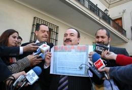 Presidente de la Cámara denuncia persecución de neonazis a autoridades del Estado