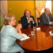 Bachelet defiende a la Concertación en víspera de anunciar medidas de probidad