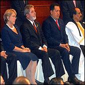 """Bachelet valora instalación de gobiernos """"progresistas sin apellido"""" en la región"""