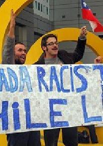 CHILENOS DE CANADA Y EX-DIPUTADO FEDERAL PROTESTAN