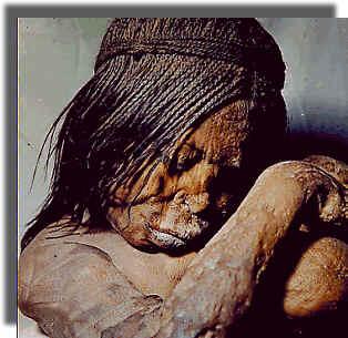 Niños Inca Duermen en la Cima de Los Andes