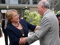 Bachelet y Lagos se encuentran en acto en la U de Chile