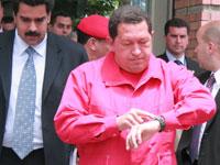 Chávez no calla e interpela al Monarca