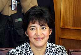 20080406201107-ministra.jpg