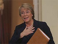 Presidenta Bachelet es el político mejor evaluado
