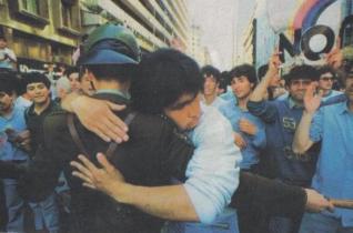 A 21 AÑOS DEL NO: CHILE Y LA ALEGRÍA PENDIENTE