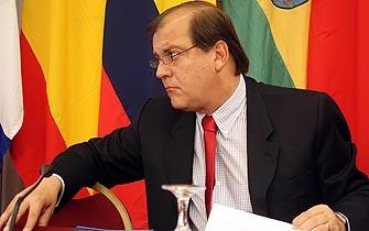 Vidal a prensa peruana