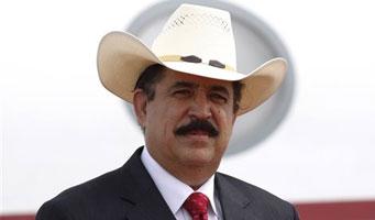 Zelaya afirma que sólo aceptará su restitución antes de las elecciones