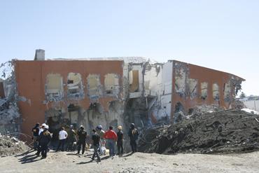 A seis meses del terremoto