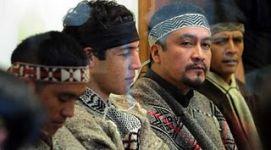 20110610235231-prisioneros-mapuche.jpg