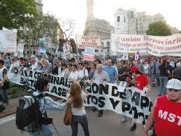20111126011439-marcha.jpg