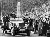 Adolf Hitler, entrando en Viena, marzo 14 de 1938