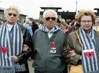 Supervivientes de Mauthausen, en mayo de 2002