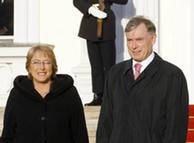 La presidenta de Chile y su homólogo alemán, Horst Köhler, cumplen funciones distintas en sus gobiernos.