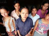 Los derechos de las mujeres emigrantes merecen cuidado especial.