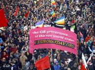 Miles de activistas de izquierda protestan en Rostock contra la Cumbre del G-8.