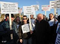 Oskar Lafontaine, líder de Die Linke, en una manifestación junto a los mineros, marzo de 2008