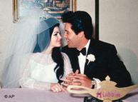 Elvis se casó con Priscilla después de una relación de ocho años en el hotel Aladdin en Las Vegas.
